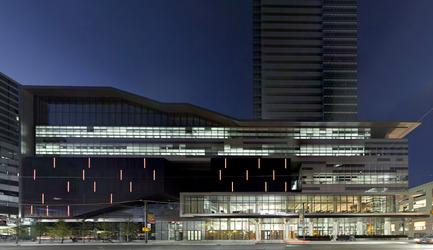 Dossier de presse | 809-05 - Communiqué de presse | Azure announces the finalists of the second annual AZ Awards - Azure Magazine - Concours - Firm:&nbsp;Kuwabara Payne McKenna Blumberg Architects<br>Project:&nbsp;TIFF Bell Lightbox&nbsp;