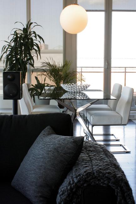 Dossier de presse | 788-01 - Communiqué de presse | Fonction et design contemporain - FX Studio par Clairoux - Design d'intérieur résidentiel -  CONDO SOLANO  - Crédit photo : Virginie Belhumeur