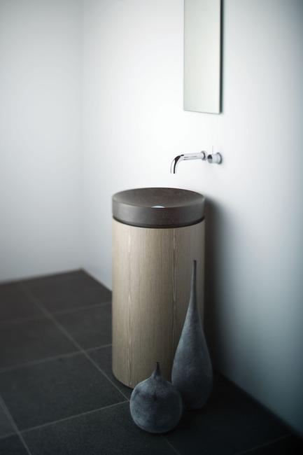 Press kit | 1004-01 - Press release | Omvivo presents Thomas Coward - Omvivo - Industrial Design - MONO - Photo credit:          Omvivo