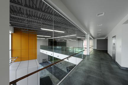 Press kit | 819-01 - Press release | Headquarters ofSchlüter Systems Inc. - DCYSA Architecture & Design - Commercial Architecture - Photo credit: Gleb Gomberg
