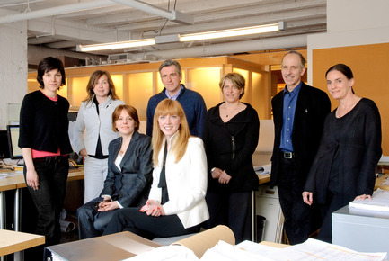 Press kit | 952-05 - Press release | New partners make the team! - Provencher_Roy - Event + Exhibition - FROM LEFT TO RIGHT : Anik Mandalian, Mélissa Bélanger, Eugenio Carelli, Sonia Gagné, Matthieu Geoffrion &amp; Martine Tremblay.<br>FOREGROUND : Marie-Claude Lambert &amp; Stéphanie Roy. - Photo credit: Alexi Hobbs