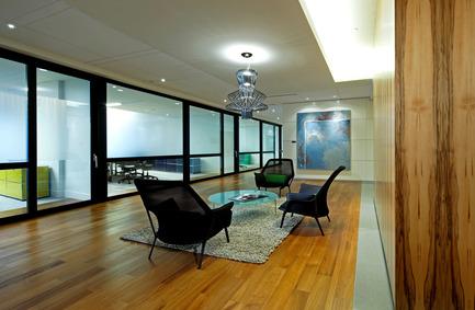 Press kit | 796-01 - Press release | Les bureaux de Heenan Blaikie LLP - id+s Design Solutions - Commercial Interior Design - Photo credit: David Whittaker