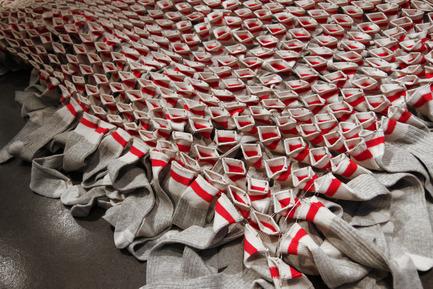 Press kit | 740-04 - Press release | Fill my stocking Santa! - Domison - Art - Photo credit: Louis Gagnon