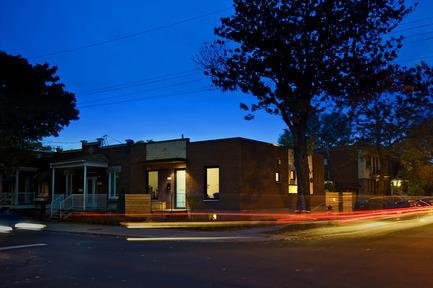 Press kit | 1105-03 - Press release | Un étage en ville - ou agrandir par l'intérieur - Anik Péloquin architecte - Architecture résidentielle - Photo credit:         Daniel Kudish