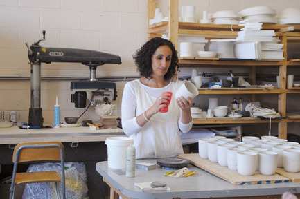 Press kit | 562-42 - Press release | Boutique CODE SOUVENIR MONTRÉAL : la créativité montréalaise à son meilleur! - Bureau du design - Ville de Montréal - Product - CERAMIK B.&nbsp;<br>Designer : Basma&nbsp;<br>Nom du produit : Salière-poivrière « Nouma »&nbsp; - Photo credit:         Elida Arrizza