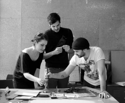 Press kit | 562-42 - Press release | Boutique CODE SOUVENIR MONTRÉAL : la créativité montréalaise à son meilleur! - Bureau du design - Ville de Montréal - Product - MOINS QUARANTE&nbsp;<br>Designers : Marie-Pier Aubry, Samuel Guillemette, Maxime Lévesque&nbsp;<br>Nom du produit : Pince à cravate&nbsp; - Photo credit: MOINS QUARANTE