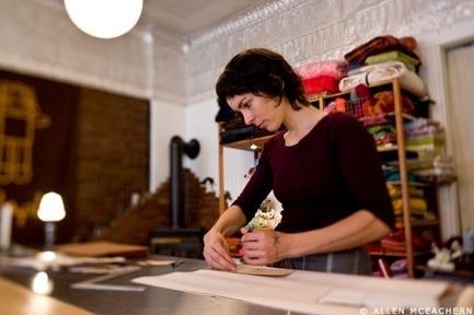 Press kit | 562-42 - Press release | Boutique CODE SOUVENIR MONTRÉAL : la créativité montréalaise à son meilleur! - Bureau du design - Ville de Montréal - Product - RAPLAPLA&nbsp;<br>Designer : Erica Perrot&nbsp;<br>Nom du produit : Monsieur Tsé-Tsé&nbsp; - Photo credit: Atelier : Allen Mceachern&nbsp;<br>Objets : Christian Guay