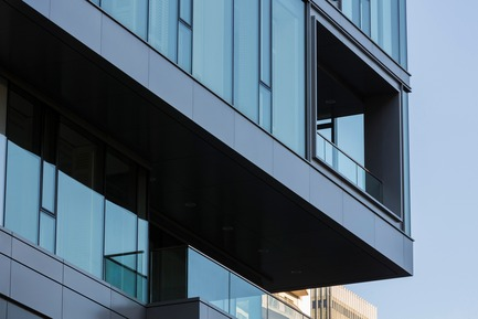Press kit | 952-06 - Press release | Un habit de verre pour l'hôtel Ritz-Carlton - Provencher_Roy - Architecture résidentielle - Hôtel Ritz - Photo credit: Stéphane Groleau