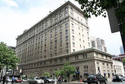Press kit | 952-06 - Press release | Un habit de verre pour l'hôtel Ritz-Carlton - Provencher_Roy - Architecture résidentielle - Avant - Photo credit: Provencher_Roy