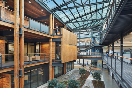 Press kit | 1124-02 - Press release | Shortlist announced for the World Interiors News Annual Awards 2014 - World Interiors News - Competition - Federal Center South Building 1202 by ZGF Architects LLP - Photo credit: Benjamin Benschneider