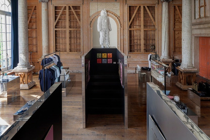 Press kit | 1124-02 - Press release | Shortlist announced for the World Interiors News Annual Awards 2014 - World Interiors News - Competition - Shop 02 Frame Store by i29 interior architects - Photo credit: Ewout Huibers