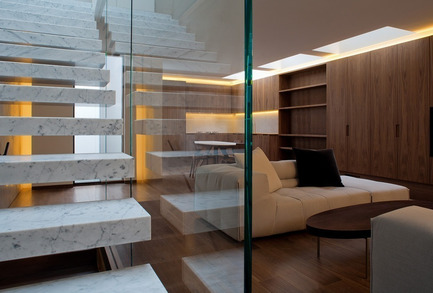 Press kit | 1124-02 - Press release | Shortlist announced for the World Interiors News Annual Awards 2014 - World Interiors News - Competition - 7 Harley Place by Archer Humphryes Architects - Photo credit: Keith Collie