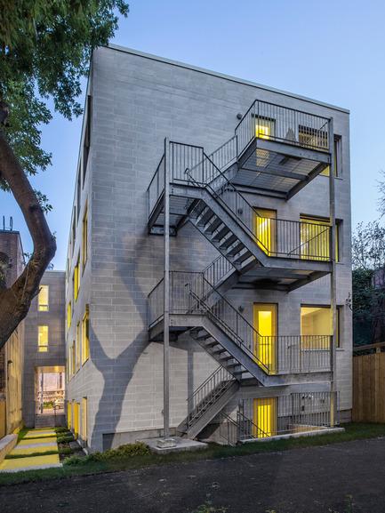 Press kit | 1057-03 - Press release | Edison Residence - KANVA - Residential Architecture - Back façade - Photo credit: Marc Cramer