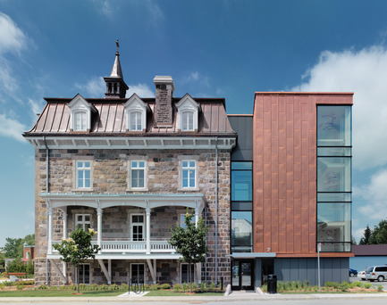 Press kit | 1172-02 - Press release | Mairie de Saint-Roch-de-l'Achigan - Affleck de la Riva architectes - Architecture institutionnelle - Photo credit: Marc Cramer