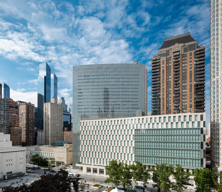 Press kit | 1204-01 - Press release | New Fordham Law School by Pei Cobb Freed & Partners to be Dedicated on September 18 - Pei Cobb Freed & Partners - Institutional Architecture - Skyline view above Damrosch Park from the Metropolitan Opera House - Photo credit: Paul Warchol