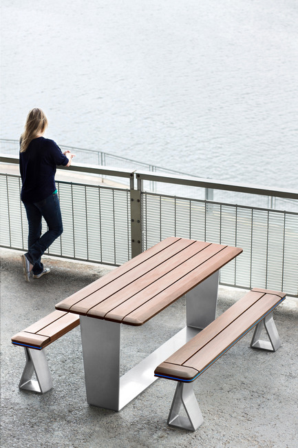 Press kit | 1133-02 - Press release | ALTO Design creates the new Équiparc DELTA street furniture collection - ALTO Design - Industrial Design -  Picnic table  - Photo credit:  Adrien Williams