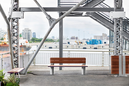 Press kit | 1133-02 - Press release | ALTO Design creates the new Équiparc DELTA street furniture collection - ALTO Design - Industrial Design - Bench without backrest, bench with backrest and waste receptacle - Photo credit: Adrien Williams
