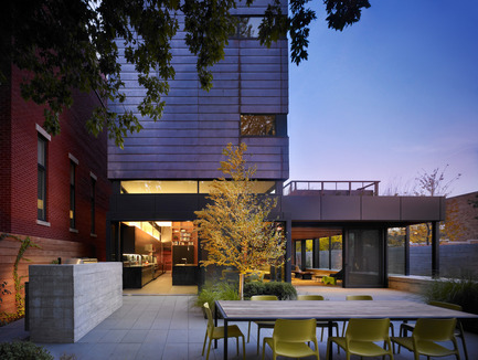 Press kit | 1389-01 - Press release | AIA Chicago honors the worldwide presence of outstanding work from Chicago architecture firms - AIA Chicago - Competition - HONOR AWARD<br> Orchard Willow Residence – Chicago, IL – Wheeler Kearns Architects <br>  - Photo credit:         Steve Hall, Hedrich Blessing