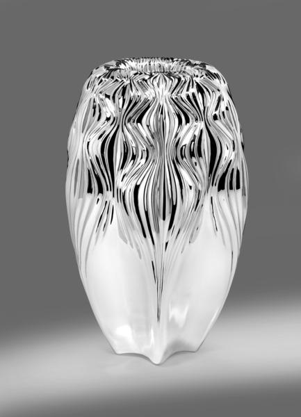 Dossier de presse | 1604-01 - Communiqué de presse | Design Days Dubai 2015 - Gallery Announcement - Design Days Dubai - Évènement + Exposition -   Zaha Hadid VESU Vase, Copyright El-Woods   - Crédit photo : Courtesy of Wiener Silber