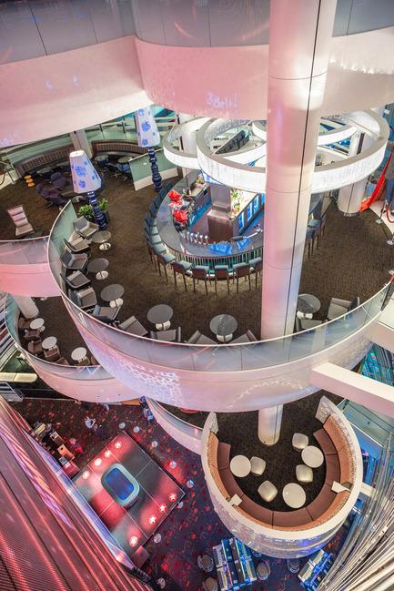 Press kit | 673-10 - Press release | GalaGRANDS PRIX DU DESIGN 8e édition. Et les lauréats sont... - Agence - Évènement + Exposition - Projet de l'année, <br>Modernisation du casino de Montréal,<br>MENKÈS, SHOONER, DAGENAIS, LETOURNEUX & PROVENCHER_ROY ainsi que MOUREAUX HAUSPY+ASSOCIÉS DESIGNERS et à BLAZYSGERARD - Photo credit: Marc Cramer