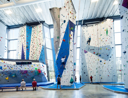 Press kit | 1117-01 - Press release | Allez-Up – Montreal's First Rock Climbing Gym - Smith Vigeant architectes - Commercial Architecture - Photo credit: Stéphane Brugger
