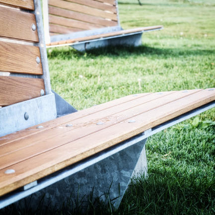 Press kit | 1097-02 - Press release | Sails benches, winning project at theWorld Interiors News Awards 2015 in London - Les Ateliers Guyon - Landscape Architecture - Photo credit: Félix Guyon