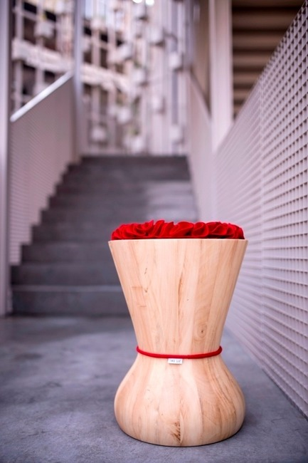 Press kit | 1548-03 - Press release | May Design Series 2015: Show Preview - UBM EMEA Built Environment - Residential Interior Design - TWO SIX Swithy stool red - Photo credit: TWO SIX