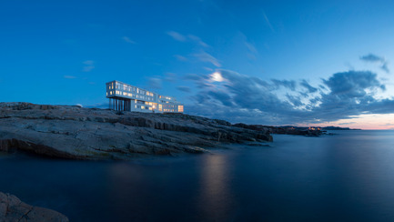 Dossier de presse | 809-15 - Communiqué de presse | Azure announces the finalists of the fifth annual AZ Awards - Azure Magazine - Competition - Commercial  ⁄ Institutional Architecture Over 1,000&nbsp;Square Metres: Saunders Architecture: Fogo Island Inn, Newfoundland, Canada<br> - Crédit photo :  AZ Awards 2015