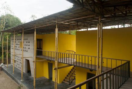 Dossier de presse | 809-15 - Communiqué de presse | Azure announces the finalists of the fifth annual AZ Awards - Azure Magazine - Competition - Commercial ⁄ Institutional Architecture Under 1,000Square Metres: SchilderScholte Architecten: Pani Community Centre, Rajarhat, Bangladesh<br> - Crédit photo :  AZ Awards 2015