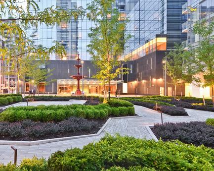 Dossier de presse | 809-15 - Communiqué de presse | Azure announces the finalists of the fifth annual AZ Awards - Azure Magazine - Concours - Landscape Architecture: Claude Cormier + Associés: Four Seasons Hotel and Residences, Toronto, Canada<br> - Crédit photo :  AZ Awards 2015