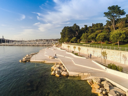 Dossier de presse | 809-15 - Communiqué de presse | Azure announces the finalists of the fifth annual AZ Awards - Azure Magazine - Competition - Landscape Architecture: 3LHD: Mulini Beach, Rovinj, Croatia<br> - Crédit photo :  AZ Awards 2015