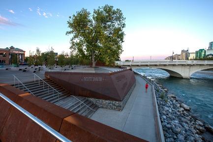 Dossier de presse | 809-15 - Communiqué de presse | Azure announces the finalists of the fifth annual AZ Awards - Azure Magazine - Concours - Landscape Architecture: The Marc Boutin Architectural Collaborative: Poppy Plaza, Calgary, Canada<br> - Crédit photo :  AZ Awards 2015