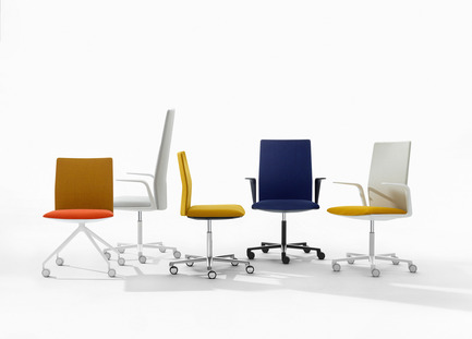 Dossier de presse | 809-15 - Communiqué de presse | Azure announces the finalists of the fifth annual AZ Awards - Azure Magazine - Concours - Furniture Design: Arper: Kinesit, by Lievore Altherr Molina<br> - Crédit photo :  AZ Awards 2015