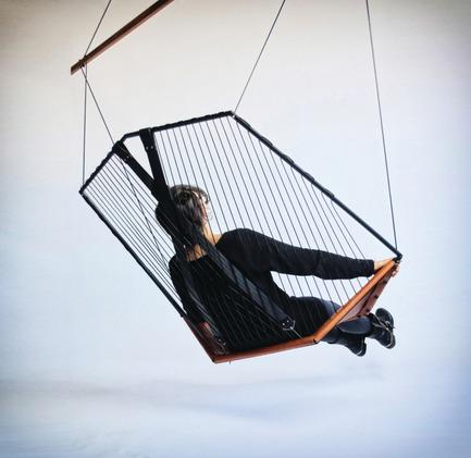 Dossier de presse | 673-05 - Communiqué de presse | Et les lauréats de la 7e édition des Grands Prix du Design sont… - Agence PID - Concours - CATÉGORIE DESIGN DE PRODUITSPRIX MOBILIER RÉSIDENTIELLes Ateliers GuyonChaise suspendue - Crédit photo : Félix Guyon