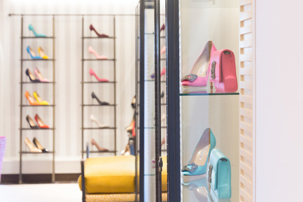 Press kit | 1555-01 - Press release | High Style in Shoe Heaven - Nick Leith-Smith Architecture + Design - Commercial Interior Design - Continuation of studio's long-standing creative partnership with Manolo Blahnik - Photo credit: Quintin Lake