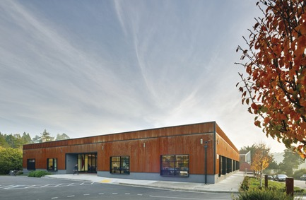Press kit | 1187-03 - Press release | Announcing AIA San Francisco 2015 Design Awards winners - American Institute of Architects, San Francisco Chapter (AIA SF) - Competition - Redwood Highway by Studio VARA - Photo credit: Bruce Damonte
