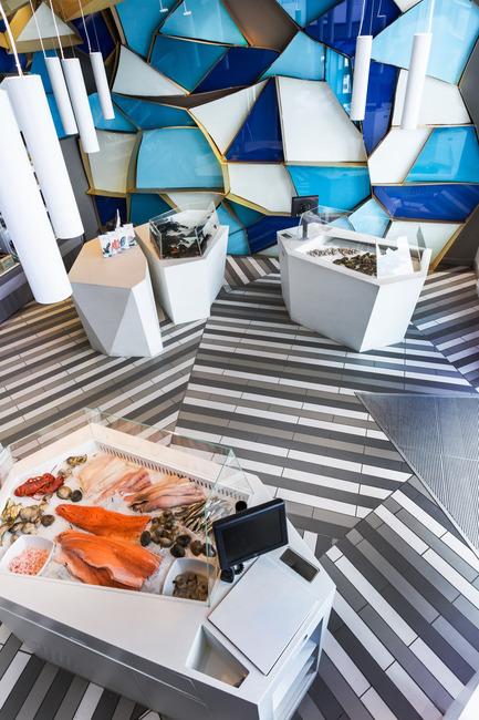 Press kit | 760-10 - Press release | Reinventing a walk on the bottom of the sea - Jean de Lessard, Designers Créatifs - Commercial Interior Design - General view - Photo credit: Imagicom, Francois Laliberté