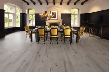 Press kit | 1639-01 - Press release | The new Flair collection by Mirage - Mirage Hardwood Floors - Residential Interior Design - Maple Grey Drizzle - Heavy character<br> - Photo credit: Mirage Hardwood Floors<br>
