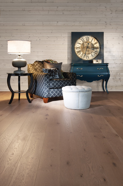 Press kit | 1639-01 - Press release | The new Flair collection by Mirage - Mirage Hardwood Floors - Residential Interior Design -  White Oak Sand Dune - Heavy character<br>  - Photo credit: Mirage Hardwood Floors<br>