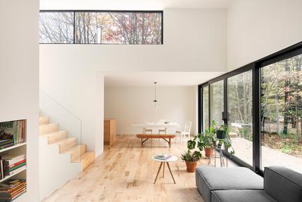 Dossier de presse | 1113-04 - Communiqué de presse | Maison Terrebonne - la SHED architecture - Architecture résidentielle - Espace de vie - Crédit photo : Maxime Brouillet
