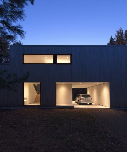 Dossier de presse | 1113-04 - Communiqué de presse | Maison Terrebonne - la SHED architecture - Architecture résidentielle - Façade - Crédit photo : Maxime Brouillet