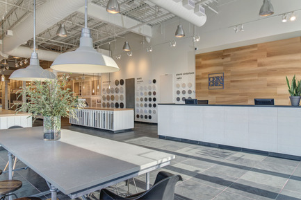 Press kit | 846-16 - Press release | Ceragres acquires Montréal-Les-Bains - Ceragres - Product - Ceragres Boutique-Workshop DIX30, Brossard  - Photo credit: Ceragres