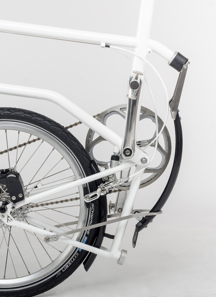 Dossier de presse | 1833-01 - Communiqué de presse | The first urban compact bike - VELLO bike - Industrial Design - Folding mudguard (patent pending) - Crédit photo : V.Kutinkov