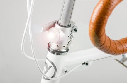 Dossier de presse | 1833-01 - Communiqué de presse | The first urban compact bike - VELLO bike - Industrial Design - Intergrated lights (patent) - Crédit photo : V.Kutinkov
