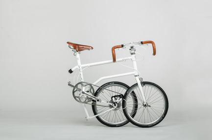 Press kit | 1833-01 - Press release | The first urban compact bike - VELLO bike - Industrial Design - VELLO Speedster - fully folded - Photo credit: V.Kutinkov