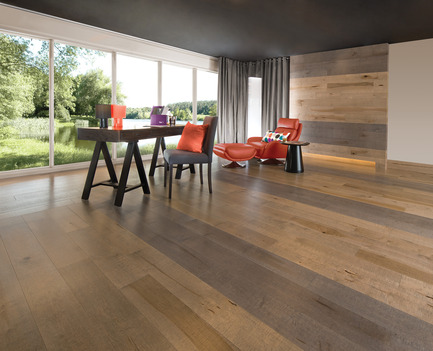 Press kit | 1639-02 - Press release | La collection Imagine : des planchers conçus pour mieux camoufler les aléas du quotidien - Planchers de bois franc Mirage - Residential Interior Design - Old Maple Rock Cliff &amp; Papyrus, Cork Look<br> - Photo credit: Mirage Hardwood Floors
