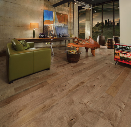 Press kit | 1639-02 - Press release | La collection Imagine : des planchers conçus pour mieux camoufler les aléas du quotidien - Planchers de bois franc Mirage - Residential Interior Design - Old Maple Linen, Cork Look<br> - Photo credit: Mirage Hardwood Floors<br>