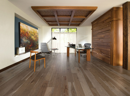 Press kit | 1639-02 - Press release | La collection Imagine : des planchers conçus pour mieux camoufler les aléas du quotidien - Planchers de bois franc Mirage - Residential Interior Design -  Old Hickory Barn Wood, Distressed Look  - Photo credit: Mirage Hardwood Floors<br>