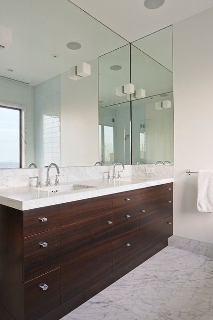 Press kit | 1733-02 - Press release | Noe Residence - Studio VARA - Residential Architecture -  The master bathroom features fumed eucalyptus and Carrera marble. - Photo credit: Bruce Damonte
