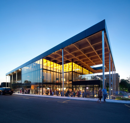 Dossier de presse | 567-08 - Communiqué de presse | Mont-Lauriermultifunctional theater - Les architectes FABG - Institutional Architecture - Crédit photo : Steve Montpetit<br>